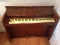 Free Piano With Green Keys