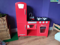 Kids toy kitchen and accessories £40 ONO