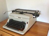 Olivetti Linea 88 Typewriter