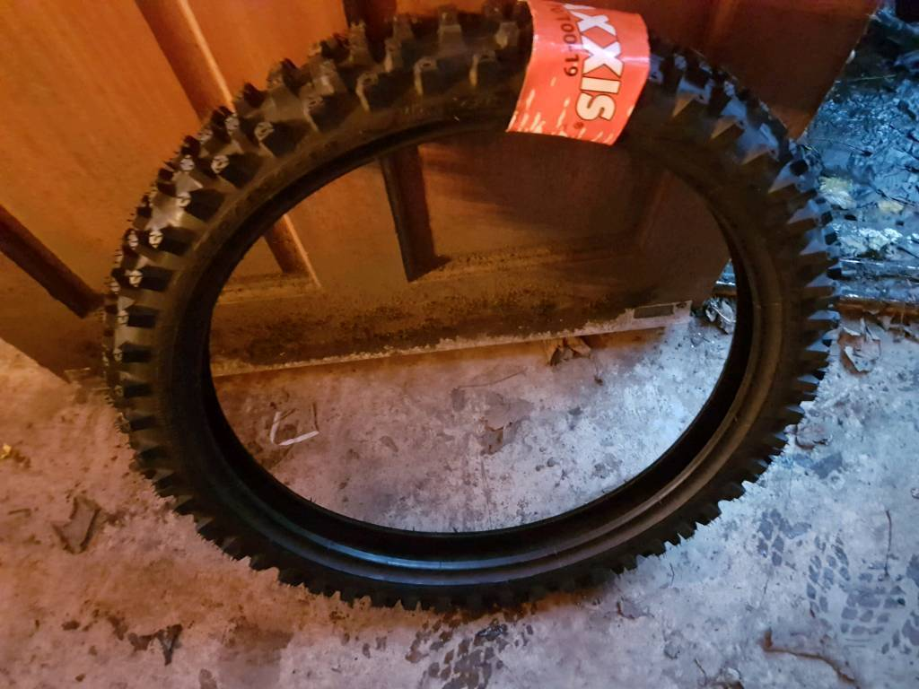 Brand new maxxis tyre crf 150