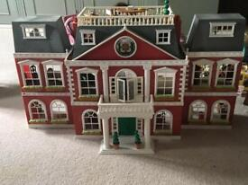 Sylvanians Grand Hotel with furniture and house