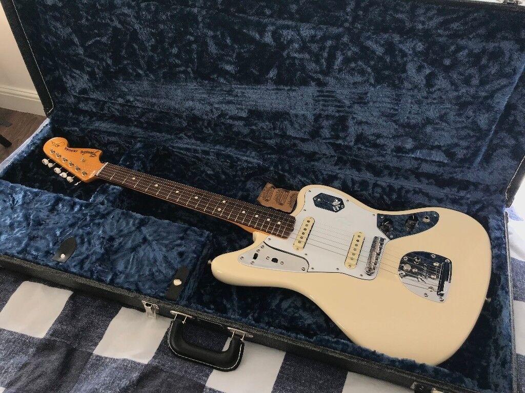 fender johnny marr jaguar electric guitar in olympic white in walthamstow london gumtree. Black Bedroom Furniture Sets. Home Design Ideas