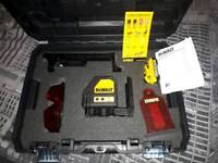 Dewalt DCE088NR-XJ Self Levelling Cross Line Red Laser with box and others