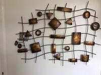 Striking geometric shaped linked as wall art
