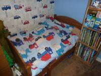 Toddler extending bed