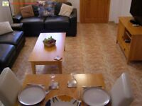 Costa Blanca, Spain. 2 bed townhouse with Wi-Fi, English TV. A/C from £250pw (SM034)