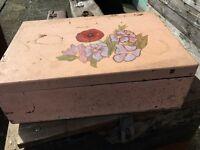 Pretty trunk / box