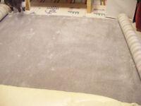1.3m x 2.3m excellent quality thick pile grey/silver carpet offcut.
