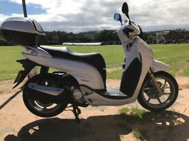 2010 HONDA SH300i VERY CLEAN TOP OF THE RANGE SPORTS SCOOTER FULL MOT LOW MILAGE -FINANCE -£1999