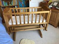 Rocking crib / cot