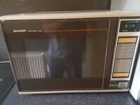 Sharp microwave oven r-7100 very good condition Made in Japan! High quality!