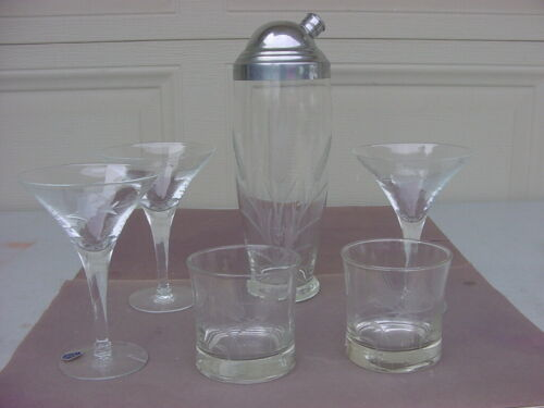 VINTAGE JAVIT CRYSTAL ETCHED COCKTAIL SHAKER WITH 3 MARTINI AND 2 ROCK GLASSES