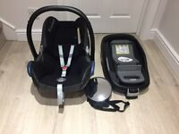 Maxi Cosi CabrioFix baby Car Seat (Group 0+) and Maxicosi Familyfix Isofix base
