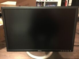 "Dell UltraSharp 2405FPW 24"" LCD Monitor"