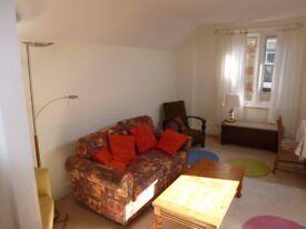 Top floor furnished flat in Beckenham to rent