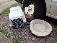 FERPLAST CAT CARRIER, FLUFFY BED, CAT LITTER