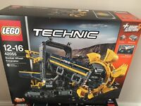 Brand New and sealed Lego 42055