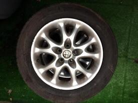 2 X 195 60 R 15 alloy wheel and tyre LIKE A NEW Alfa Romeo 147