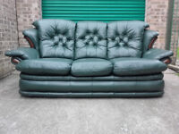 Leather Manhattan 3 seater sofa settee buttons and wood in perfect condition / free delivery