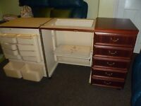 Horn Sewing Machine Cabinet with air lift