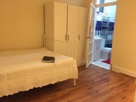 **** ON SUITS DOUBLE ROOM TO RENT IN MANOR PARK, LONDON- E12 6PY. £160.00 pw ****