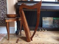 beautiful 19 string celtic lap harp with tuner