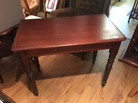 Hall Console Table /Desk in good condition. L 36in D 19.5in H 29.5in. Free local delivery.