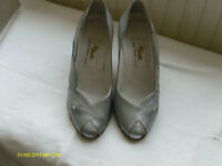 "LADIES ""RENATA"" LEATHER SILVER SHOES AND CLUTCH BAG"
