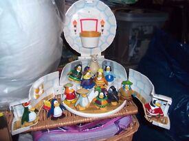 Club Penguin Play set & figures