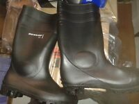 Dunlop steel toe cap black wellington boots, brand new