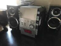 5 disc CD hifi - speakers and tape deck
