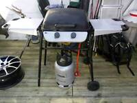 Gas bbq with cylinder