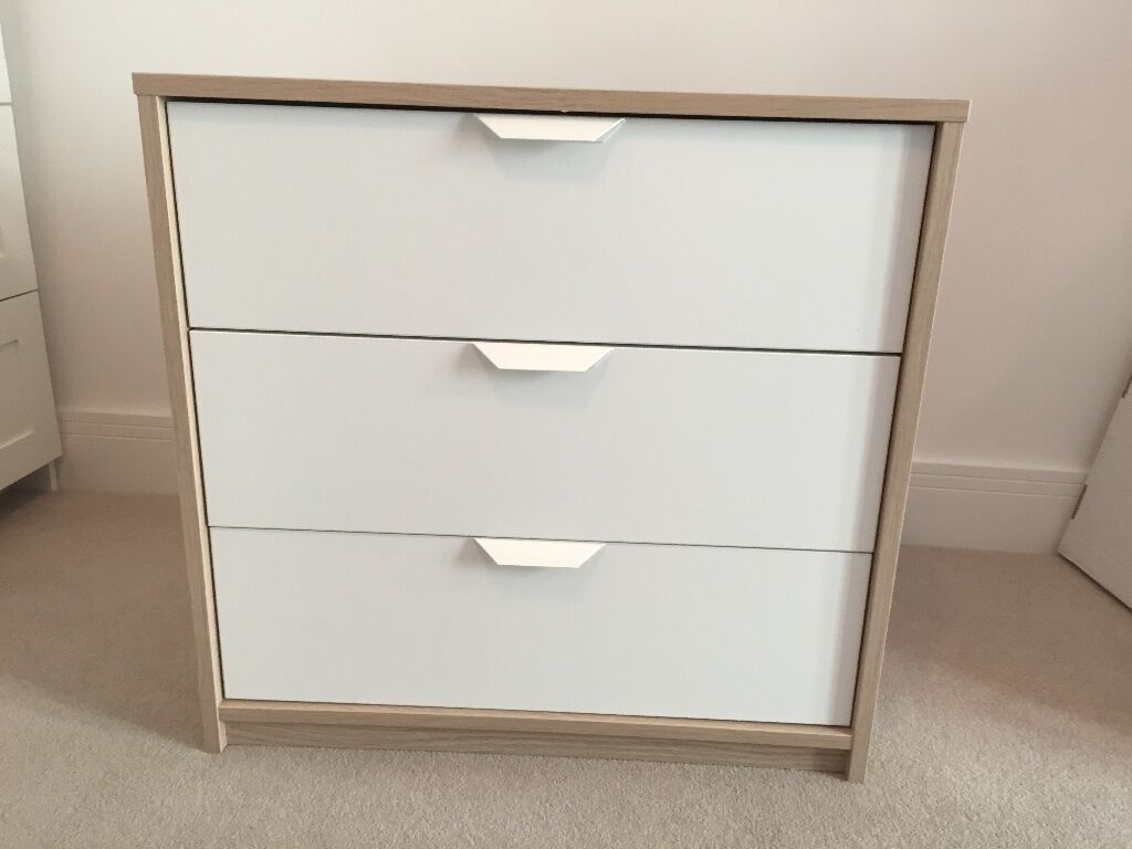 Ikea askvoll 3 drawer chest of drawers mint condition for Chest of drawers ikea