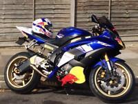 Yamaha YZF R6 Red Bull