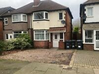 HOUSE SHARE ** TWO ROOMS AVAILABLE ** YARDLEY ** AVAILABLE IMMEDIATELY ** CALL NOW TO VIEW