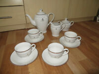 The Queens Golden Jubilee tea set, Royal Family memorabilia