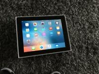 Apple I pad with wi fi boxed and charger