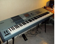 Yamaha Motif XS8 weighted keys in excellent condition no marks, as new inc heavy duty flight case