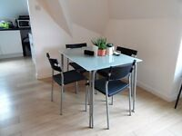 Modern 2 Bedroom In a Gated Development In Brixton