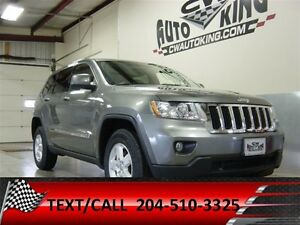 2013 Jeep Grand Cherokee Laredo / 4x4 / Financing Available