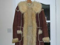 LADIES GENUINE VINTAGE SHEEPSKIN COAT SIZE 12