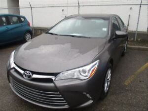 2016 Toyota Camry LE | Bluetooth | Backup CAM | Heated Seats