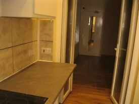 studio flat in Chiswick £ 200