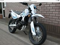 Sinnis Apache 125 ,as new ,only 50 KLM's never used ,66 reg ( lexmoto adrenaline)(pulse adrenaline