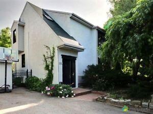 434 000$ - Maison 2 étages à Longueuil (Vieux-Longueuil)