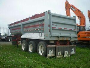 2008 Midland Dompeur Midland, 2008, 35 pieds, trois essieux / D