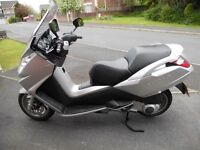 MOT til Jan 2016 This is a very smooth scooter with a large boot capable of motorway speeds