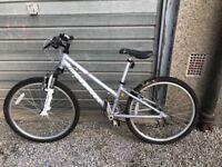 Ridgeback Destiny children's mountain bike, great condition, suspension and gears