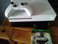 Xbox one s 500gb with one game and one control