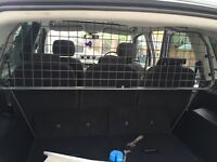 TRAVALL DOG GUARD FOR FORD S-MAX
